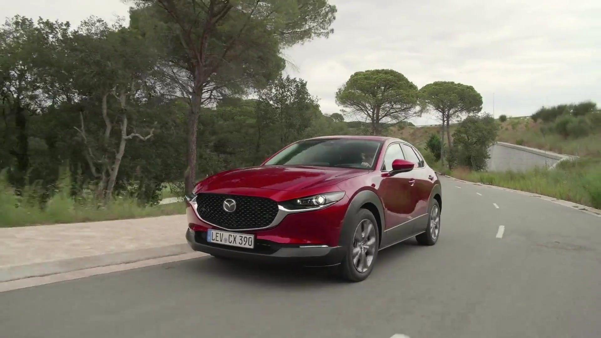 "Mazda CX-30 gewinnt das ""Goldene Lenkrad 2019"""