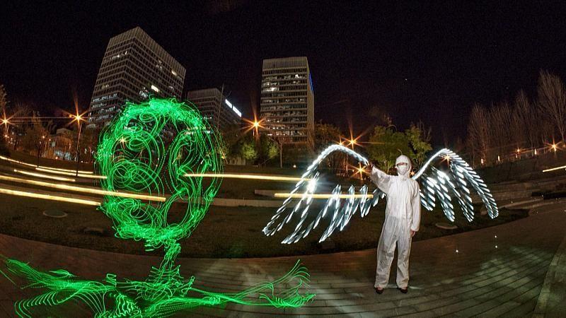 Lichtkunst als Dank an Mediziner - schöne Lichtmalerei